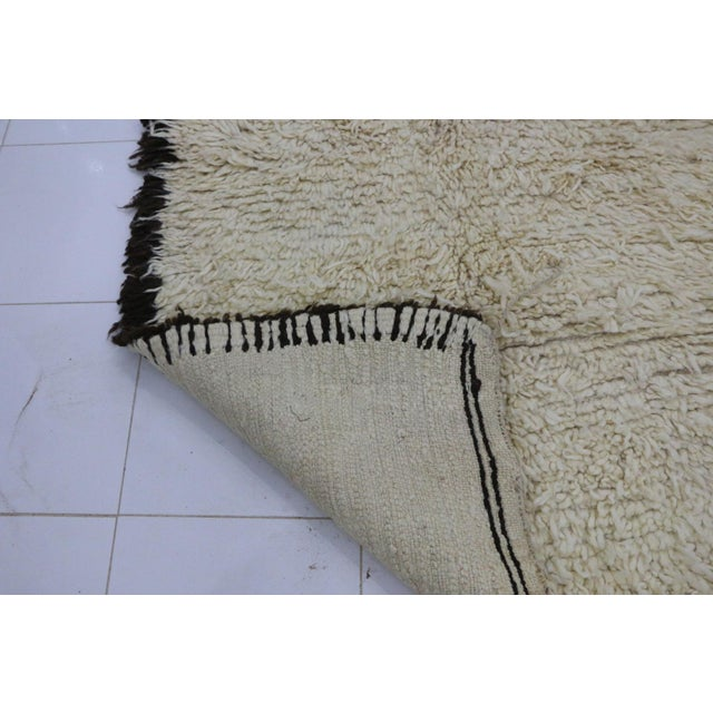 """1980s 1980s Vintage Beni Ourain Rug- 3'11"""" X 7'7"""" For Sale - Image 5 of 6"""