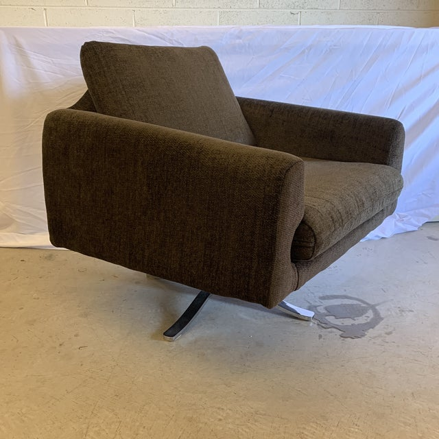 Mid Century Chrome Base Swivel Lounge Chair For Sale - Image 12 of 12