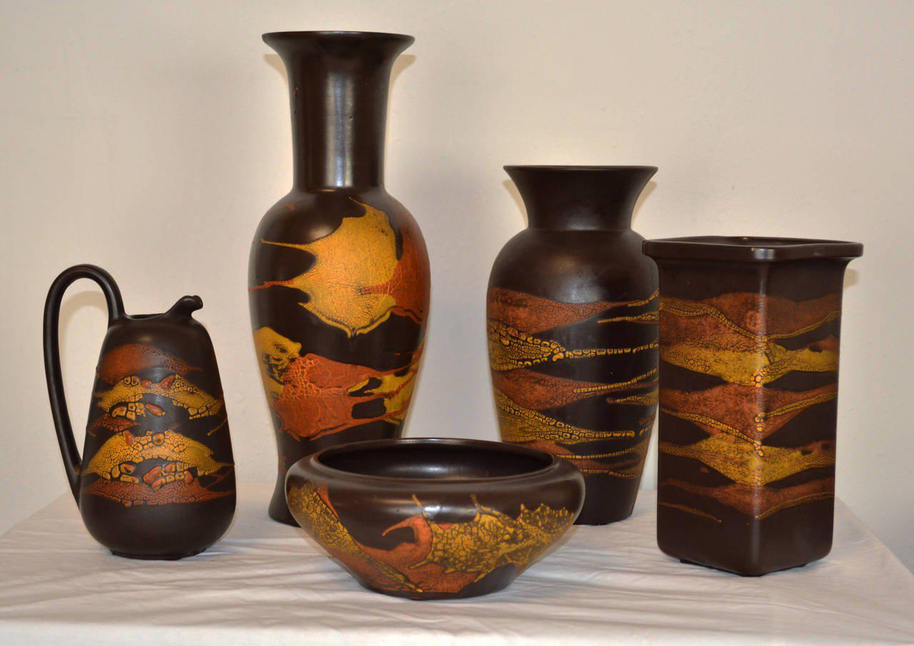 Dating royal haeger pottery