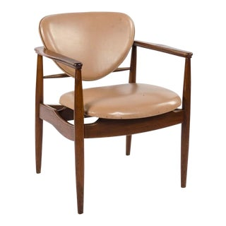 1960s Vintage Mid-Century Modern Teak and Vinyl Armchair For Sale