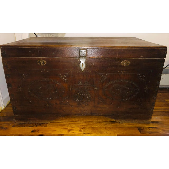 Brown 1900s Asian Antique Actor's Trunk For Sale - Image 8 of 8