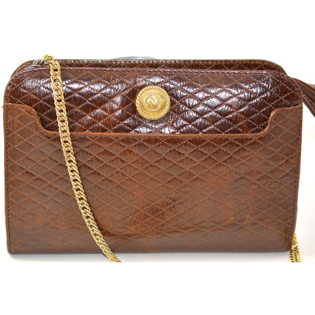 Mid-Century Modern 1980s Albert Nipon Quilted Brown Cross Body Bag For Sale - Image 3 of 4