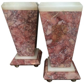 Red Marble Bookends or Decorative Urns For Sale