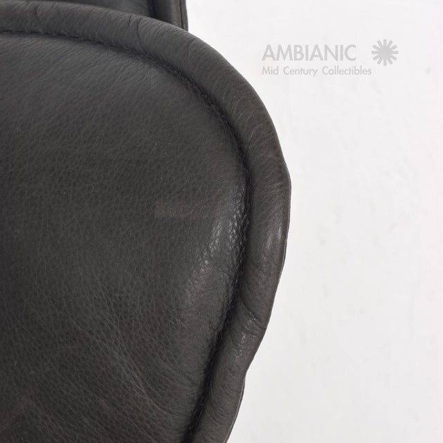 Animal Skin Pair of Contura Zero Gravity Recliner Chair by Modi, Hjellegjerde For Sale - Image 7 of 10