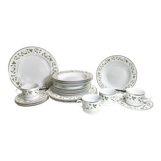 Wallace Heritage Holiday Vine Cup & Saucer Set Holly Gold Trim Dinnerware - 20 Pieces For Sale