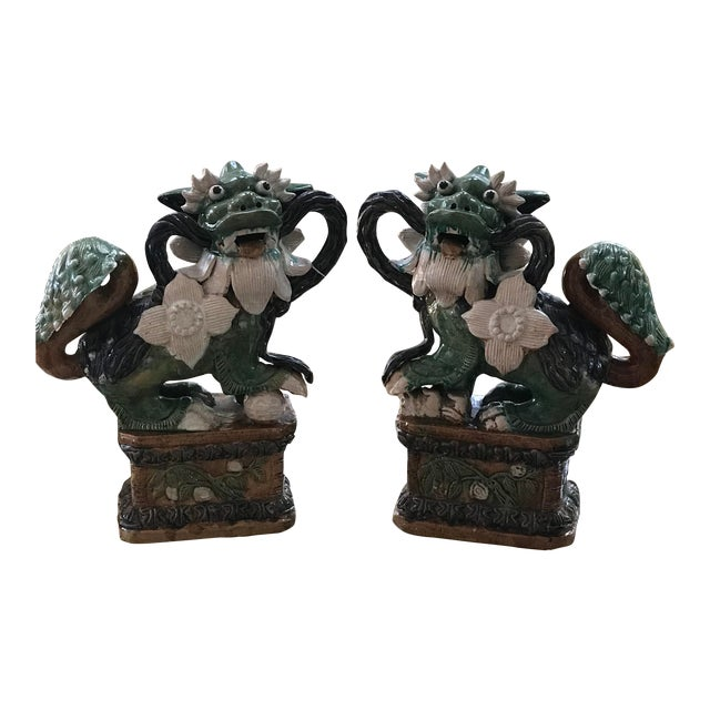 Late 1800s Qing Dynasty Shiwan Glazed Majolica Foo Dogs - a Pair For Sale