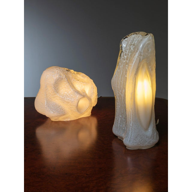 """Bone Pair of """"Osso"""" Murano Glass Table Lamps by Mazzega For Sale - Image 7 of 7"""