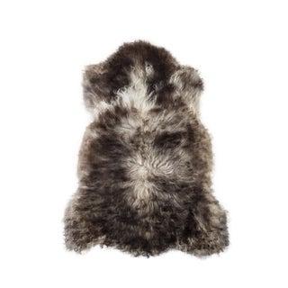"Contemporary Hand-Tanned Sheepskin Pelt Rug - 2'1""x3'2"" For Sale"