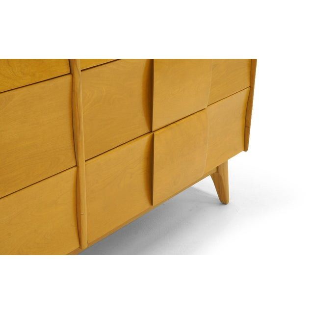 Heywood-Wakefield Heywood Wakefield Six-Drawer Sculptura Dresser in Original Blonde Finish For Sale - Image 4 of 9