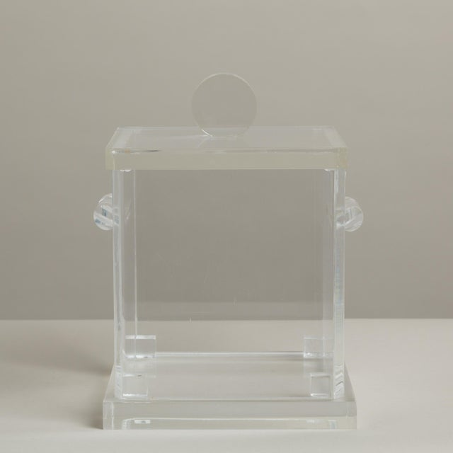 Mid-Century Modern Large Lucite Ice Bucket with Removeable Lid, 1970s For Sale - Image 3 of 4