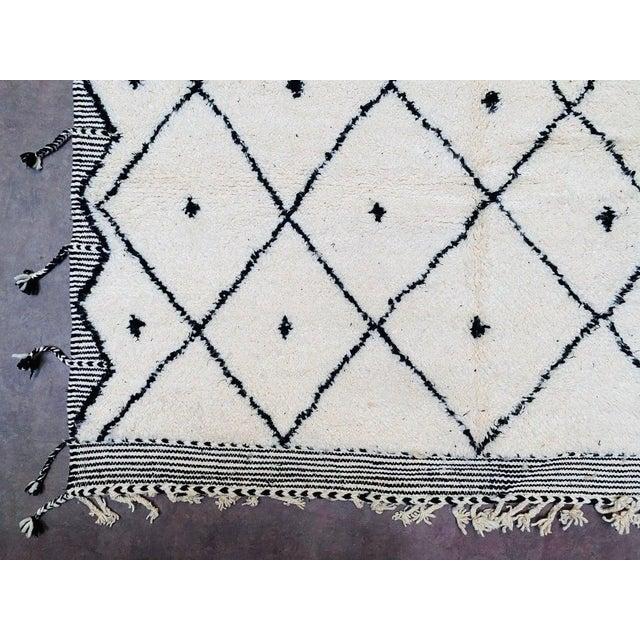 Vintage Berber Moroccan Rug For Sale - Image 6 of 10