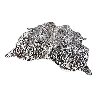 Zebra Print Rug - 5′9 × 5'5″ For Sale
