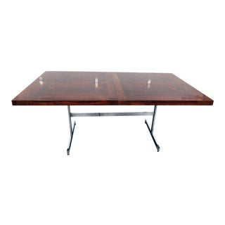 Mid-Century Modern Rosewood Dining Table For Sale