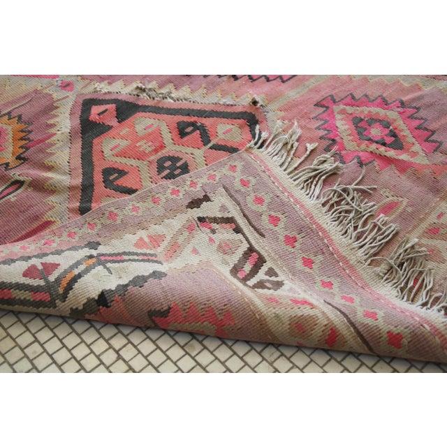 "Pink Kilim Flat Weave Rug- 5' x 9'4"" - Image 8 of 9"