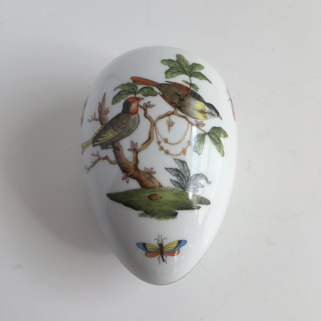 Vintage Herend Rothschild Hand Painted Birds & Butterfly's Egg Trinket Box For Sale - Image 9 of 10