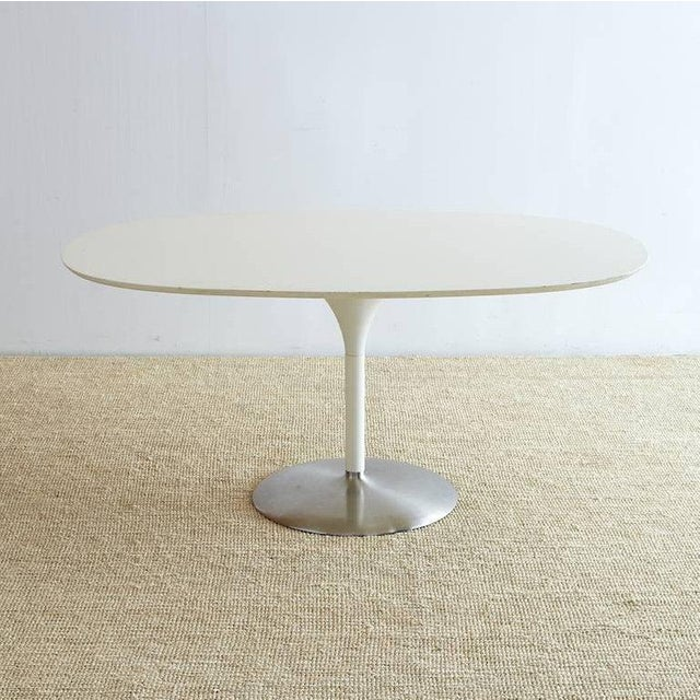 Late 20th Century Contemporary Eero Saarinen Oval Tulip Table For Sale - Image 5 of 13