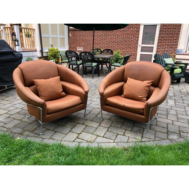 Beautiful matching pair of 'Boldido' lounge chairs, designed by Milo Baughman in 1987 for Thayer Coggin. Really lovely...