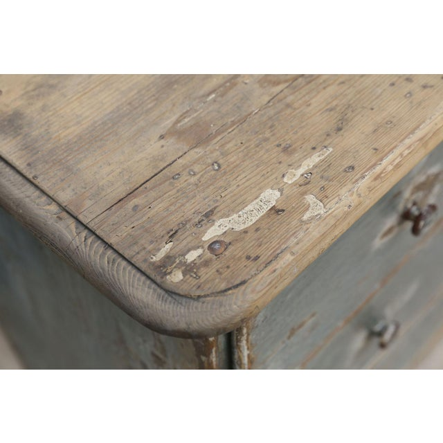 Gustavian (Swedish) 19th Century Painted Three-Drawer Commode For Sale - Image 3 of 11