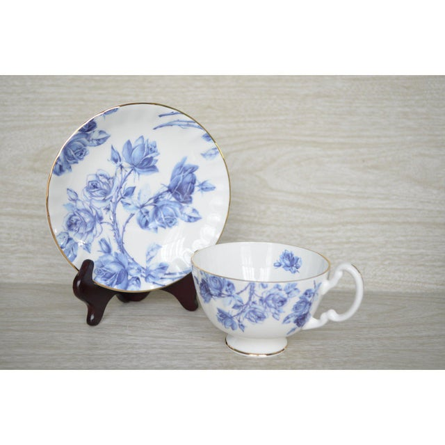 English Aynsley English Cups & Saucers - Service for 6 For Sale - Image 3 of 5