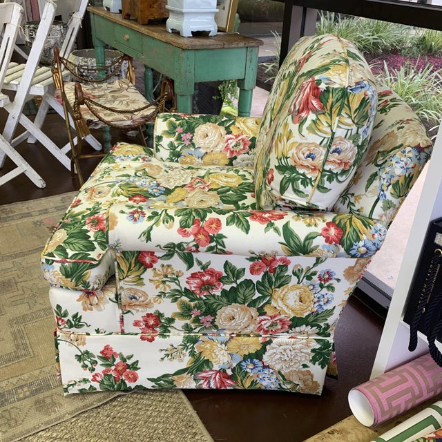 This beauty must have been kept under a slipcover as there is no where to the fabric. Looks to be a 1980s floral......