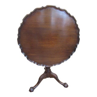 Chippendale Style Pie Crust Mahogany Tilt Top Table For Sale
