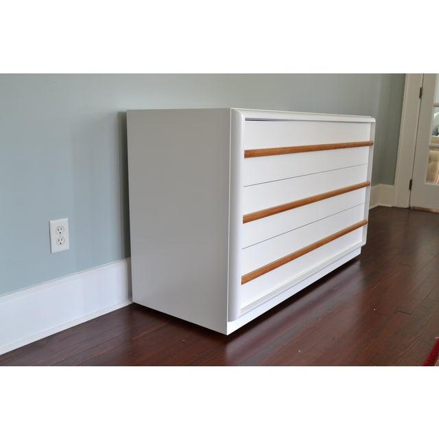 1950s Robsjohn-Gibbings White Lacquer Dresser For Sale - Image 5 of 8