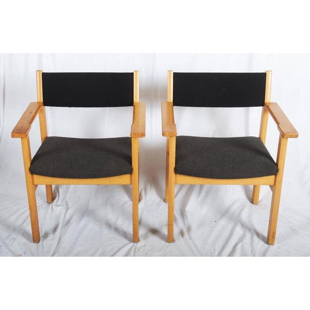 Danish Modern Vintage Armchairs by Hans J. Wegner for Getama - A Pair For Sale - Image 3 of 7