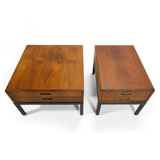 Mid-Century Modern Harvey Probber Walnut End Tables / Nightstands For Sale - Image 3 of 6