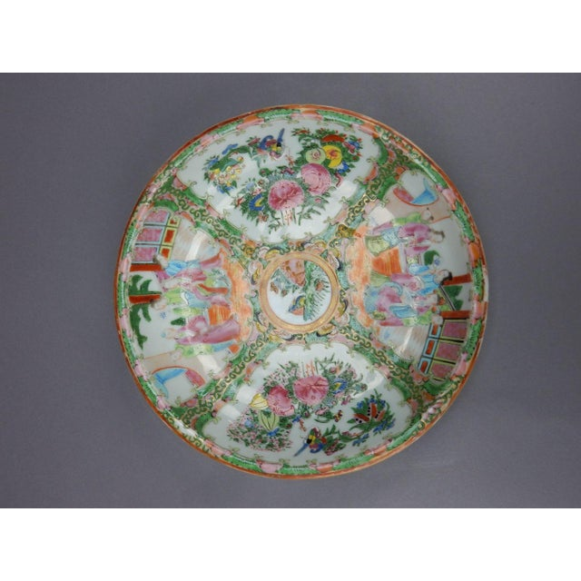 Gorgeous Antique Chinese Export Rose Medallion Serving Bowl - Image 8 of 11