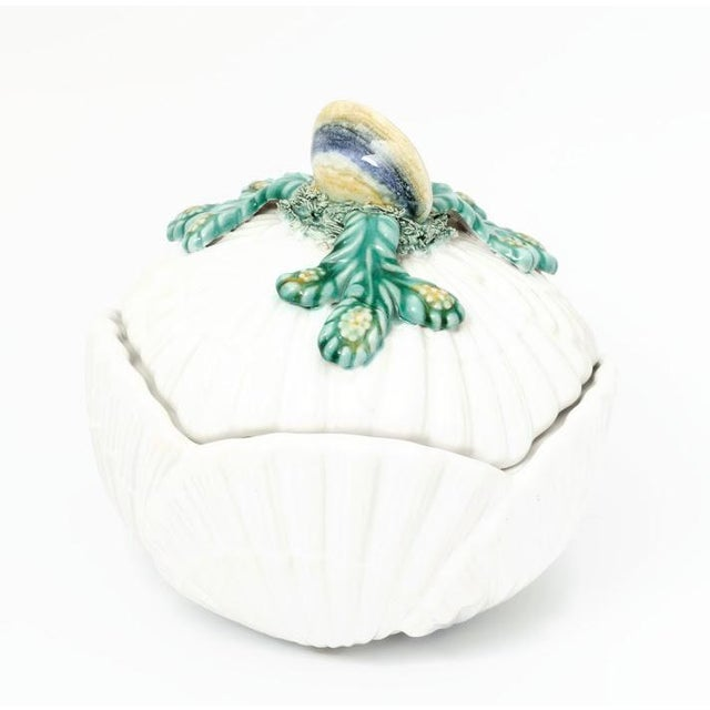 White Mottahedeh Shell-Form Covered Serving Bowl For Sale - Image 8 of 8