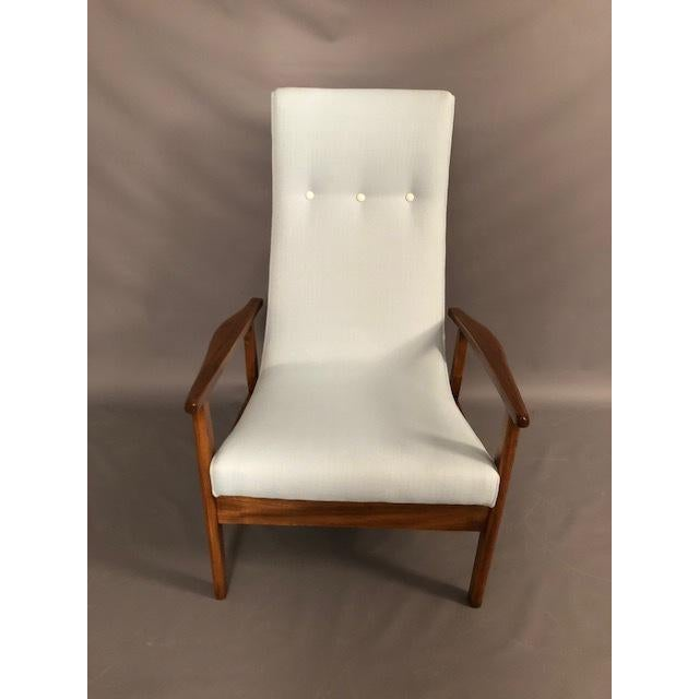 Mid-Century Modern Mid-Century Highback Lounge Chair For Sale - Image 3 of 12