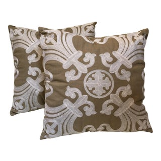 Embroidered Pillow Pair For Sale