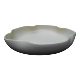 1930s Mid-Century Modern Cream Ceramic Low Bowl