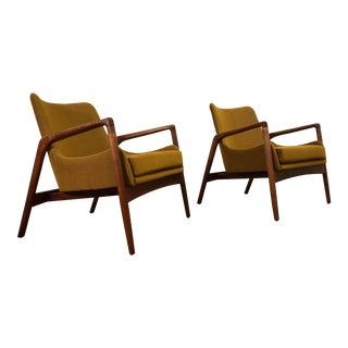 Vintage Danish Modern Lounge Chairs Pair For Sale
