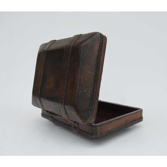 Red Vintage Italian Tooled Leather Gentlemen's Traveling Hand-Held, Lidded Valet Box For Sale - Image 8 of 13
