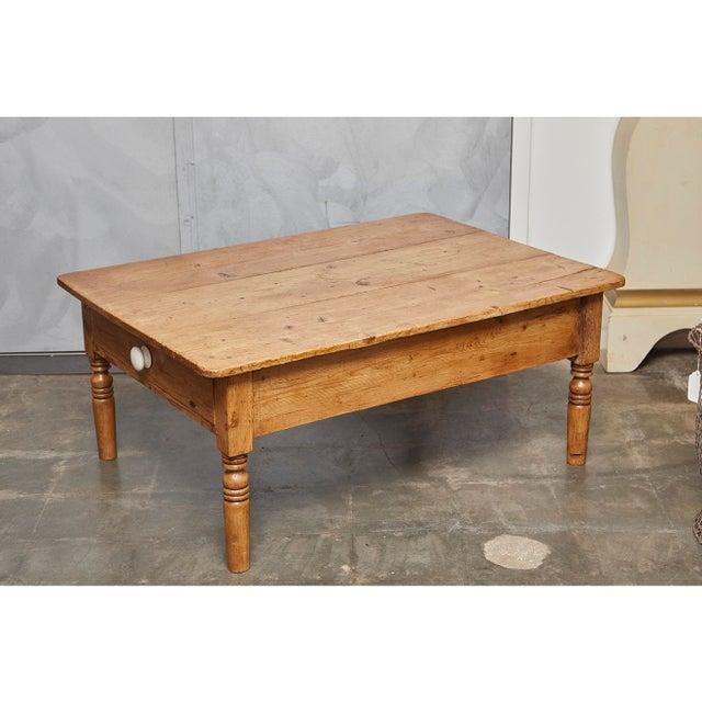 English Pine Coffee Table - Image 8 of 8