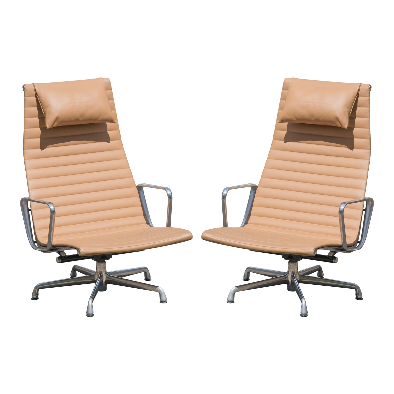 1950s Vintage Eames Aluminum Group Lounge Chairs A Pair Chairish