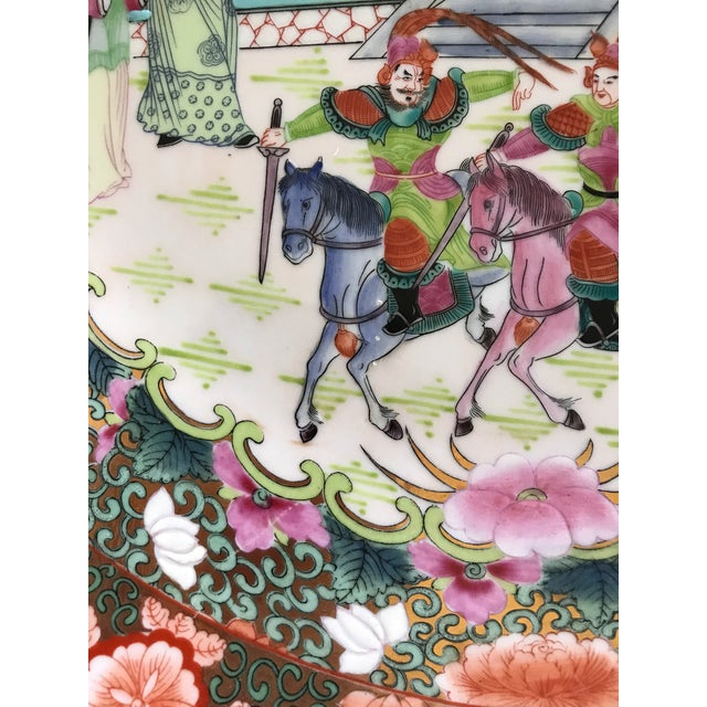 Great Qianlong Rose Mandarin 'Chinese Warriors & Horses' Double Sided Charger/Plate For Sale - Image 9 of 9