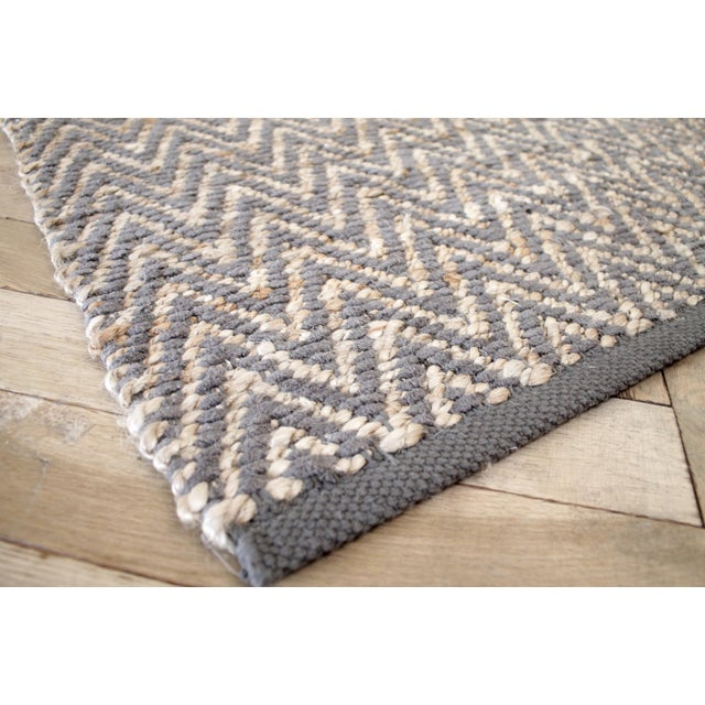 Modern Modern Chevron Gray Wool and Natural Fiber Rug 8x10 For Sale - Image 3 of 7