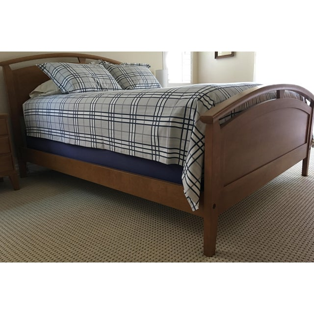 Ethan Allen Ethan Allen Elements Arched Panel Queen Bed For Sale - Image 4 of 5