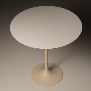 1970s Mid-Century Modern Saarinen for Knoll International Tulip Side Table Preview