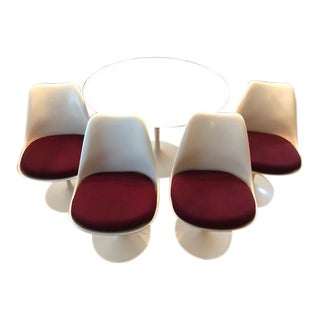 1970s Mid-Century Modern Knoll Eero Saarinen Tulip Dining Set - 5 Piece Set For Sale