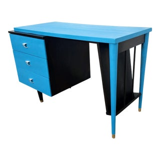 1950s Vintage Mid-Century Modern Desk For Sale