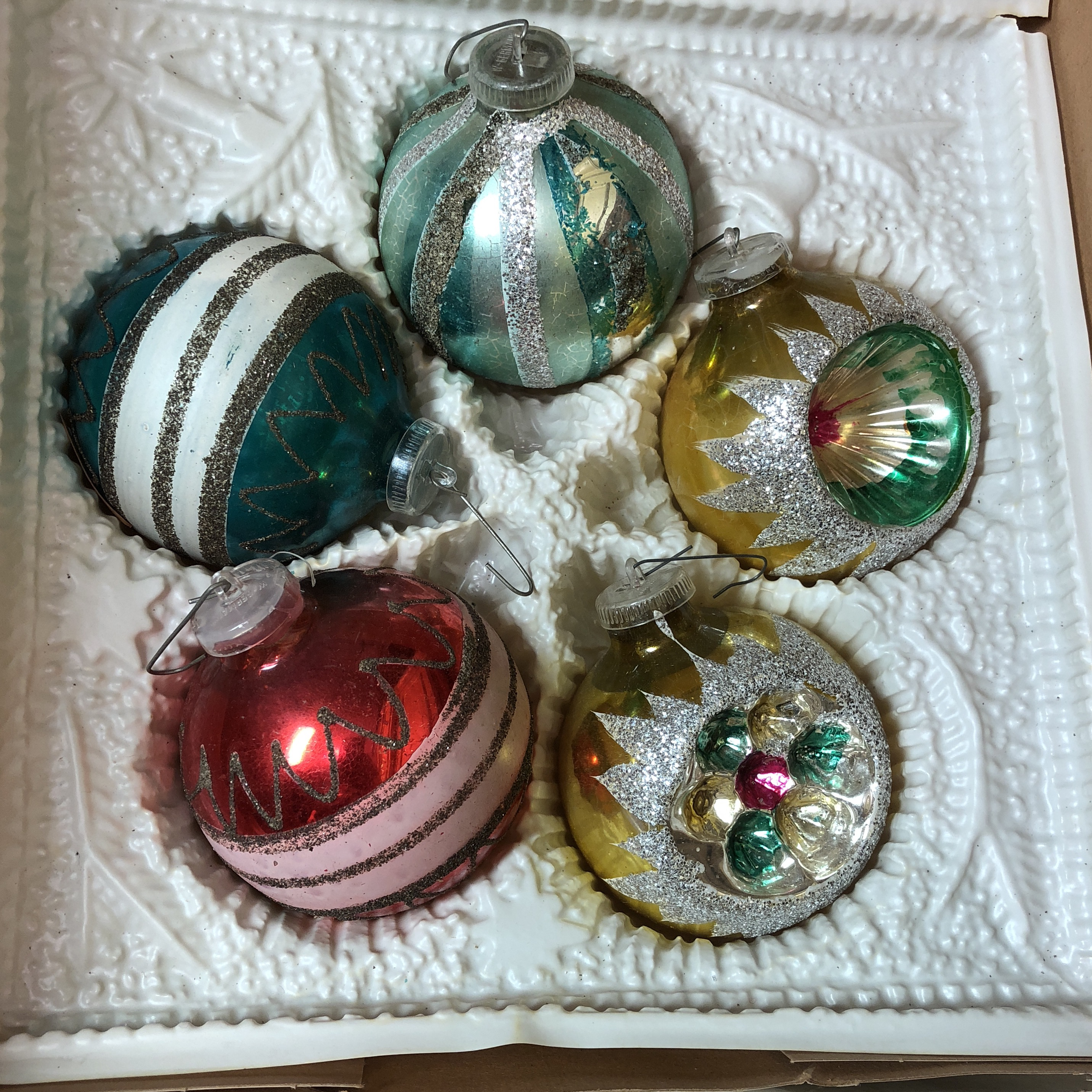 Folk Art European Fancy Vintage Christmas Ornaments Handpainted In Bavaria Set Of  For Sale