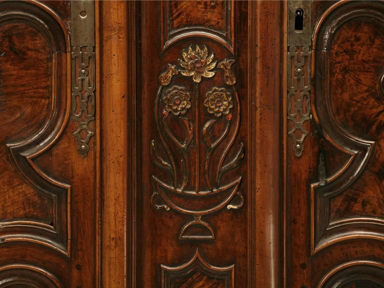 French Louis XV Armoire, Circa 1700s   Image 10 Of 10
