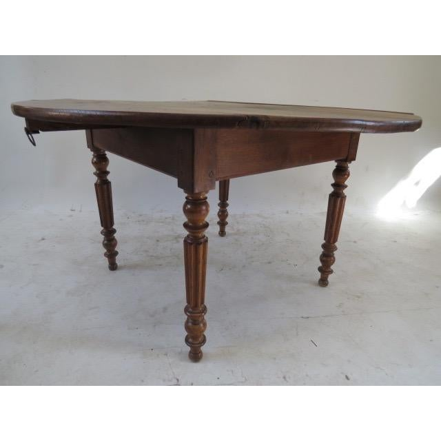 Brown 1900s Round Table with Flaps For Sale - Image 8 of 9