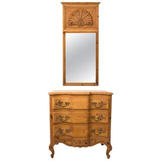 20th Century French Pine Chest of Drawers With Carved Scallop Shell Mirror For Sale