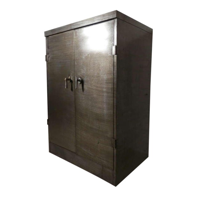 Heavy Duty Industrial Metal Cabinet - Image 1 of 9