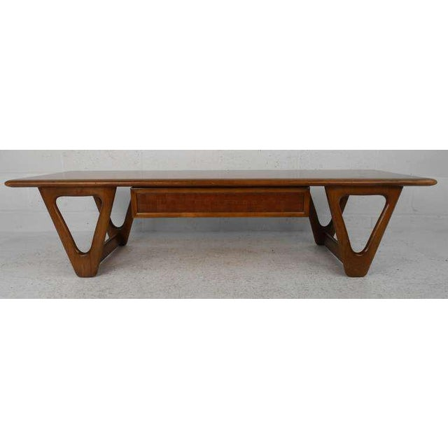 Mid-Century Modern Vintage Walnut Coffee Table by Warren Church for Lane For Sale - Image 3 of 6
