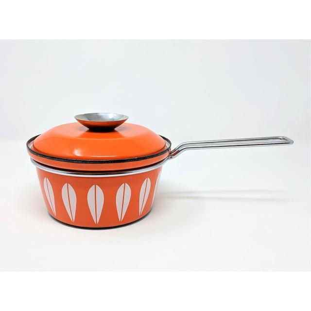 1960s Vintage Grete Prytz Kittelsen for Cathrineholm Enamel Lotus Saucepan For Sale - Image 12 of 12